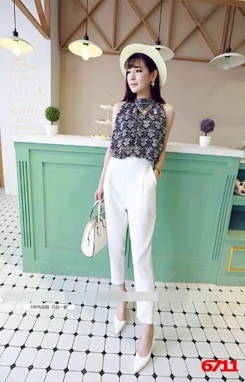 เสื้อชีฟองแขนกุด + กางเกงขายาวสีขาว