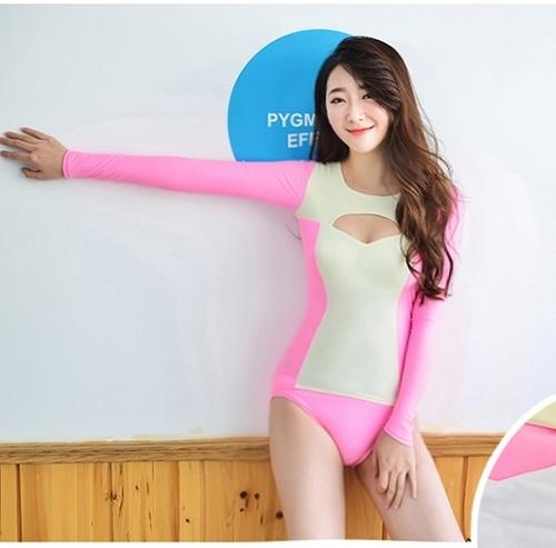 SM-V1-498 ชุดว่ายน้ำแขนยาวสีชมพูขาว เสื้อเปิดร่องอกเซ็กซี่ (เสื้อแขนยาว+บิกินี่)