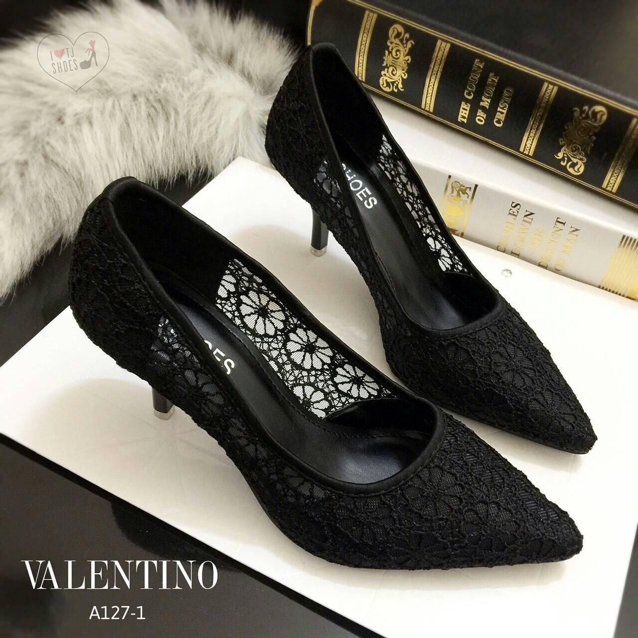 รองเท้าคัชชู STYLE VALENTINO