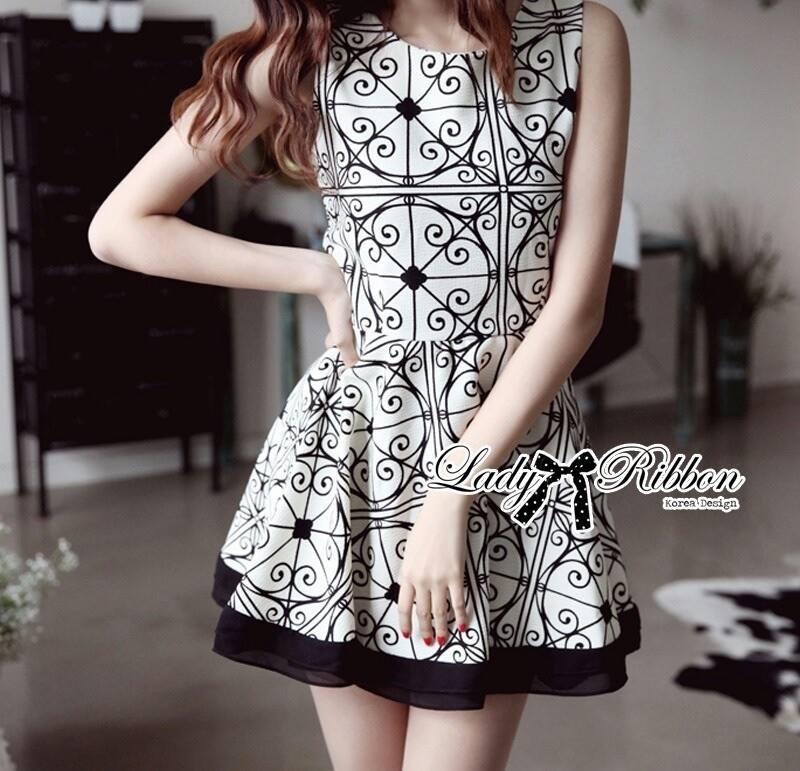 DR-LR-087 Lady Avril Minimal Chic Swirl Print Dress