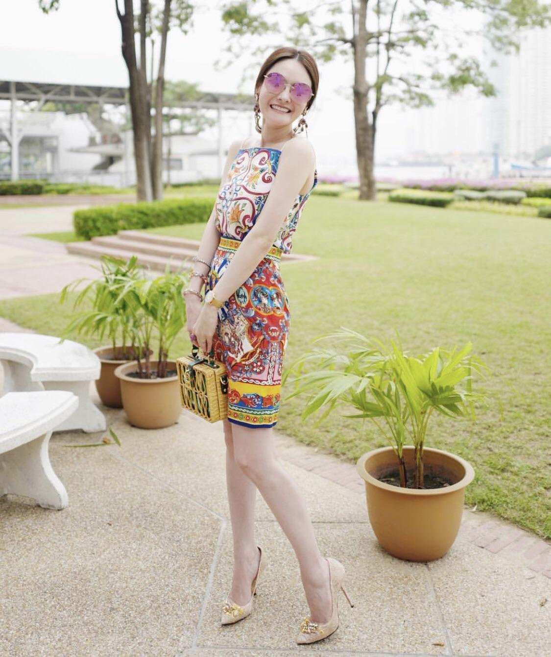 เซตเสื้อสายเดี่ยวสกรีนลายดอกไม้หลากสี สีสันสด