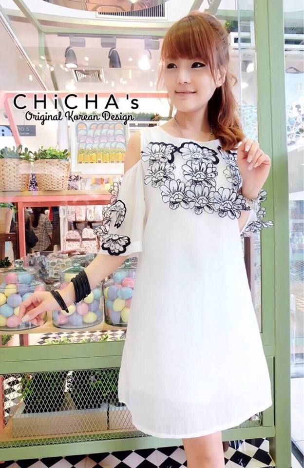CHANEL White 3d Floral Dress C170-59A04