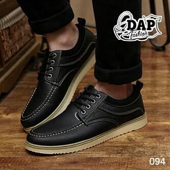 รองเท้าแฟชั่นผู้ชาย สวยเท่ห์ เนี้ยบทุกมุมมอง วัสดุหนัง PU แบบหนังด้าน