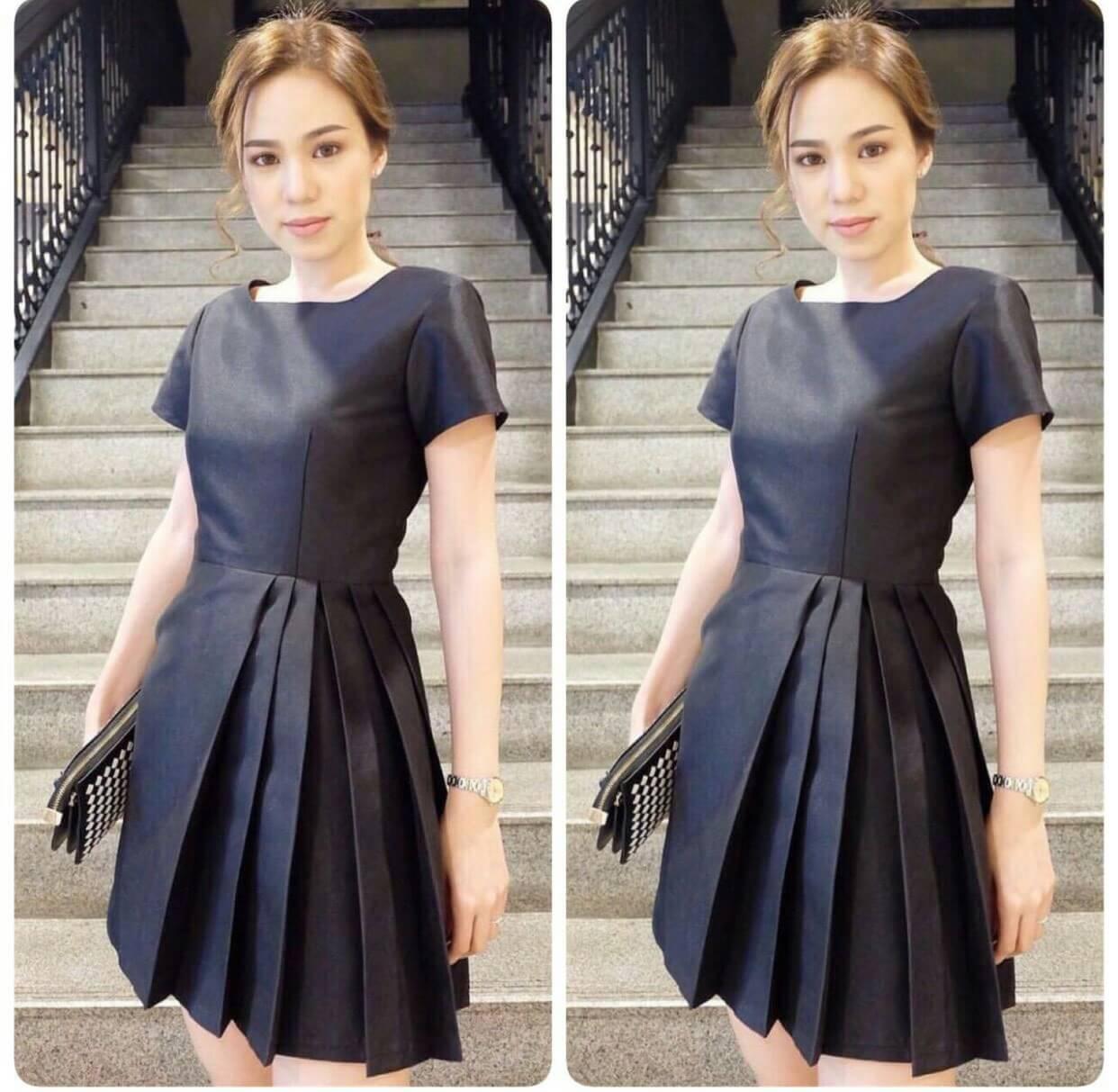 Dress คอกลมแขนสั้น ช่วงกระโปรงจับจีบข้าง
