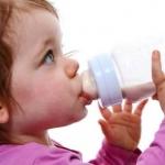 5 วิธีนี้ ลูกเลิกขวดนมได้แน่นอน - Thingthing Kids เสื้อผ้าเด็ก