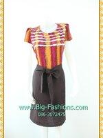 1928เสื้อผ้าคนอ้วน ชุดทำงานหวานสีชมพูสลับเหลืองลายทางพรางหุ่นเพรียวแต่งลูกไม้เล็กตีเกล็ดหน้าแขนสั้นผูกโบสวยหวาน