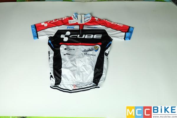 เสื้อปั่นจักรยาน ขนาด XL ลดราคา รหัส B101 ราคา 370 ส่งฟรี EMS