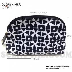 Estee Lauder : กระเป๋าเครื่องสำอางลายกราฟฟิค ขาว-ดำ ดูคลาสสิค